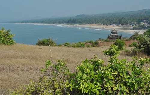 Les falaises de Gokarna et la plage