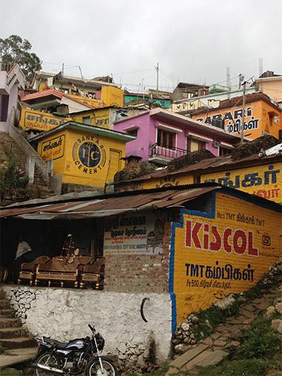 Les pubs peintes sur les murs une habitude indienne