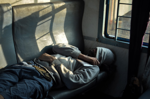 sieste dans le train