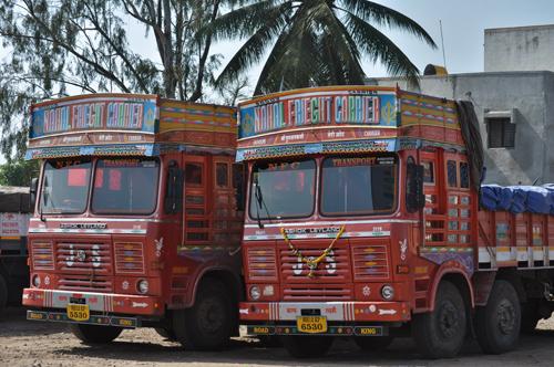 Un camion bien Indien pour commencer le voyage
